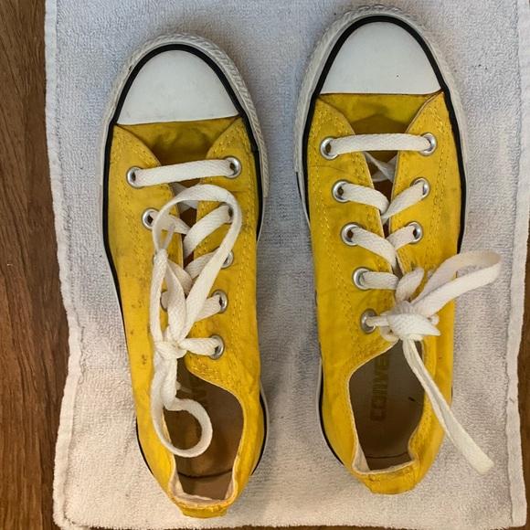 Yellow Converse Chuck Taylor Low
